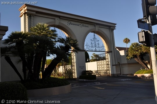 Hollywood, Melrose Avenue, Paramount gate