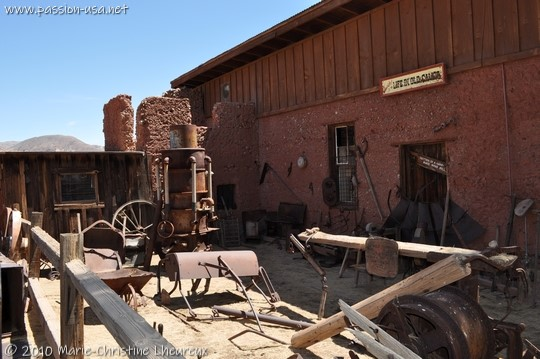 Calico, miners' tools