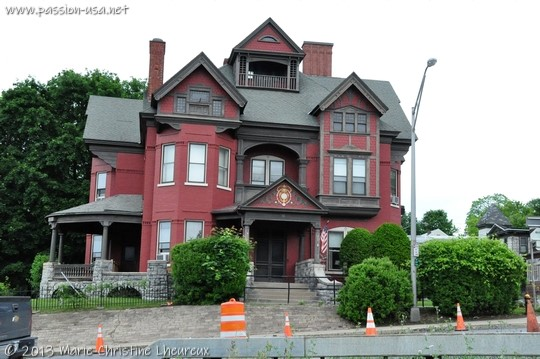 Saratoga Springs, Victorian house