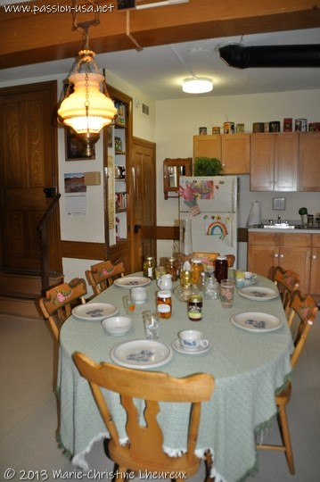 Amish farmhouse dining room