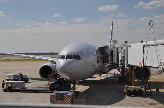 Boeing 777, Dallas - Fort Worth International Airport